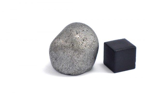 Iron meteorite 31.8 gram wide photography 10