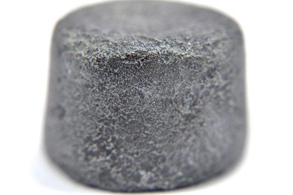 Iron meteorite 34.7 gram macro photography 04