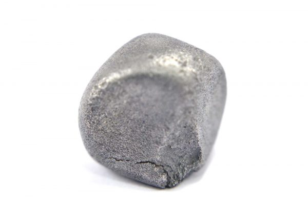 Iron meteorite 20.1 gram macro photography 02
