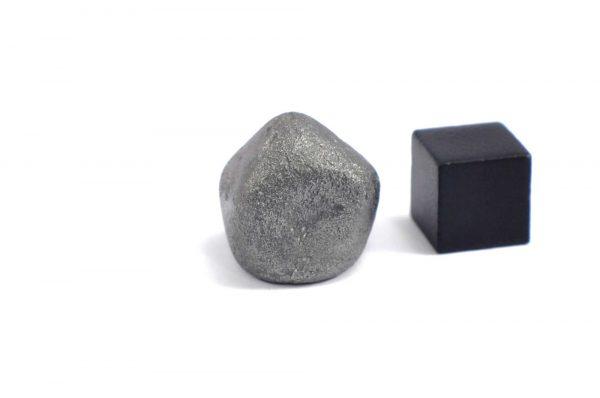 Iron meteorite 16.4 gram wide photography 07