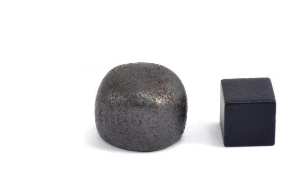 Iron meteorite 19.4 gram wide photography 12