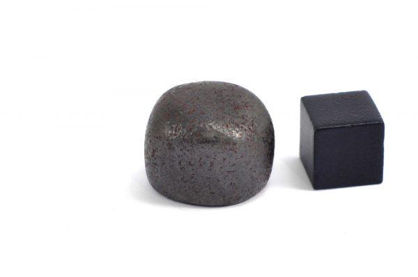 Iron meteorite 19.4 gram wide photography 10