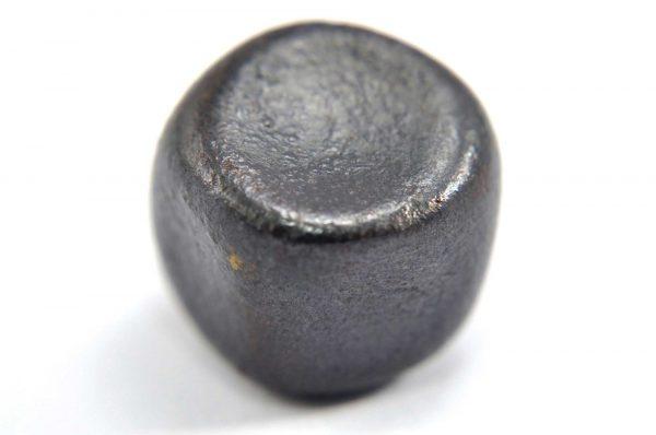 Iron meteorite 15.3 gram macro photography 03