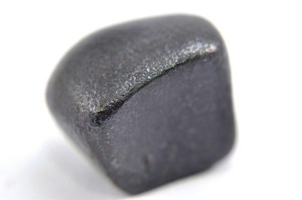Iron meteorite 19.6 gram macro photography 02