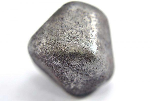 Iron meteorite 18.5 gram macro photography 02