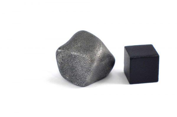 Iron meteorite 22.9 gram wide photography 15