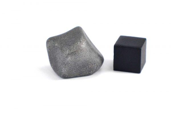 Iron meteorite 22.9 gram wide photography 14