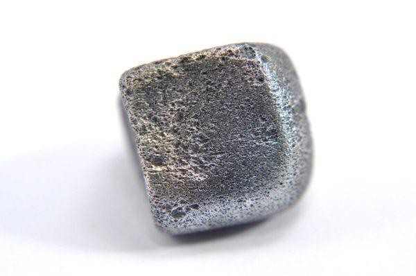 Iron meteorite 8.9 gram macro photography 09