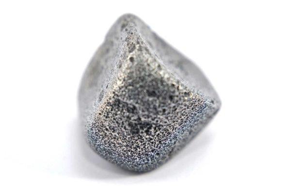 Iron meteorite 8.9 gram macro photography 08