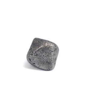 Iron meteorite 8.5 gram wide photography 04