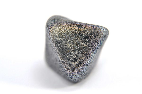 Iron meteorite 8.5 gram macro photography 16