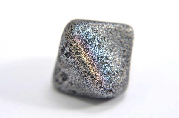 Iron meteorite 8.5 gram macro photography 01