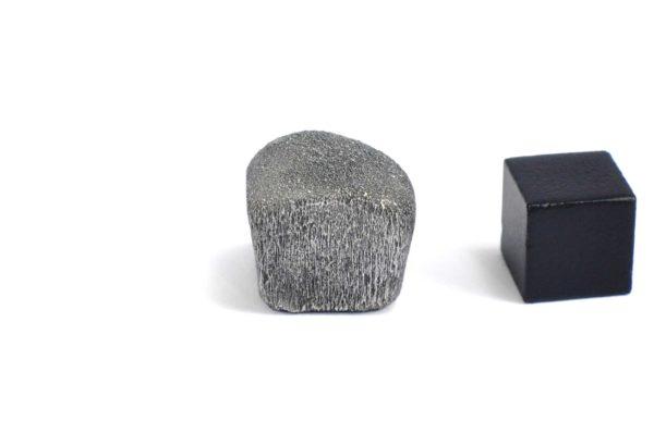 Iron meteorite 14.3 gram wide photography 07