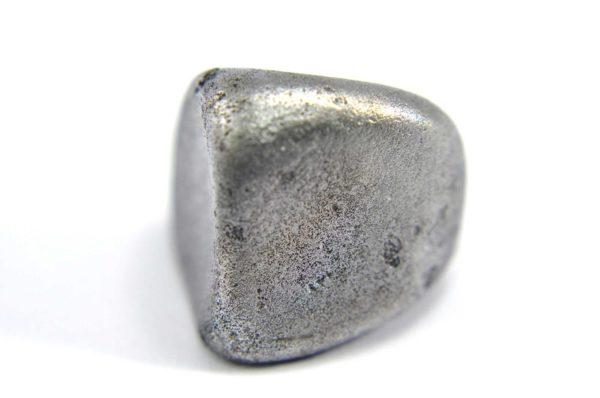 Iron meteorite 9.1 gram macro photography 14