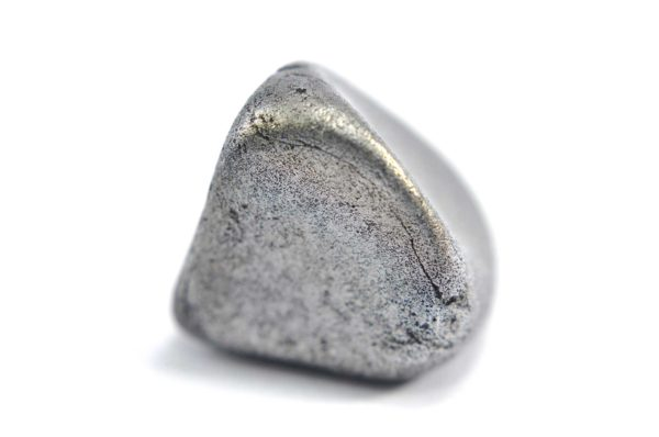 Iron meteorite 9.1 gram macro photography 04
