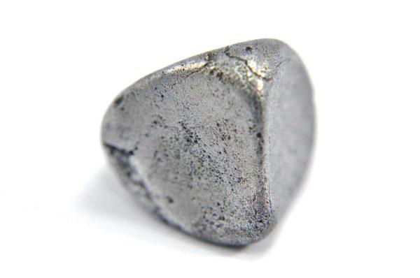 Iron meteorite 9.1 gram macro photography 03