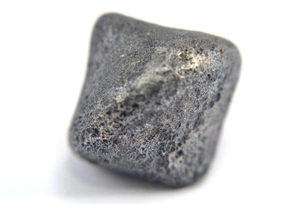 Iron meteorite 16.0 gram macro photography 12