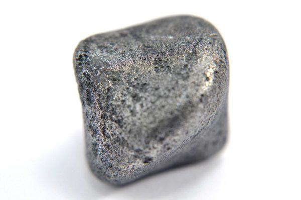 Iron meteorite 16.0 gram macro photography 07