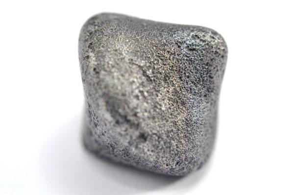 Iron meteorite 16.0 gram macro photography 06