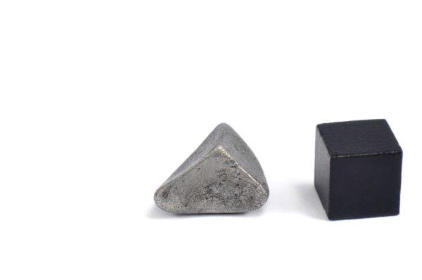Iron meteorite 5.9 gram wide photography 12