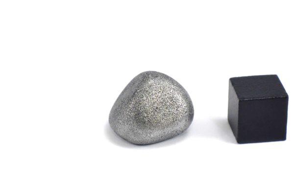 Iron meteorite 13.6 gram wide photography 12