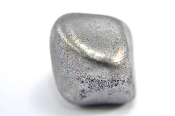 Iron meteorite 16.8 gram macro photography 05
