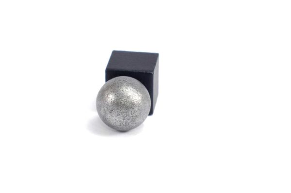 Iron meteorite 5.5 gram wide photography 19