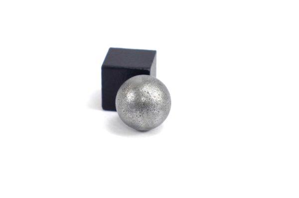 Iron meteorite 5.5 gram wide photography 18