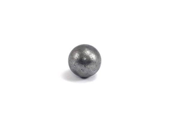 Iron meteorite 5.5 gram wide photography 02