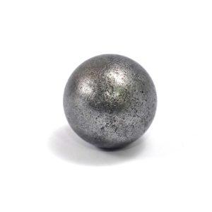 Iron meteorite 21.6 gram wide photography 01