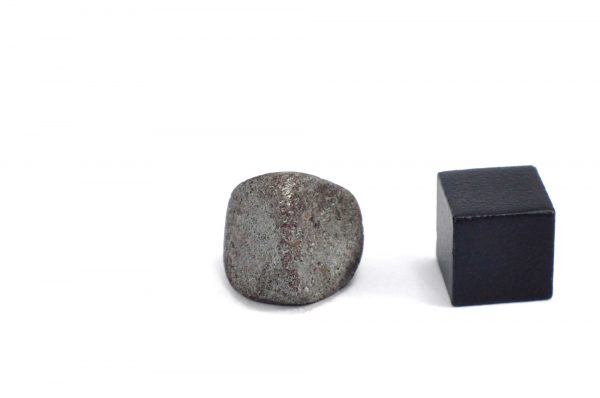 Iron meteorite 7.9 gram wide photography 11
