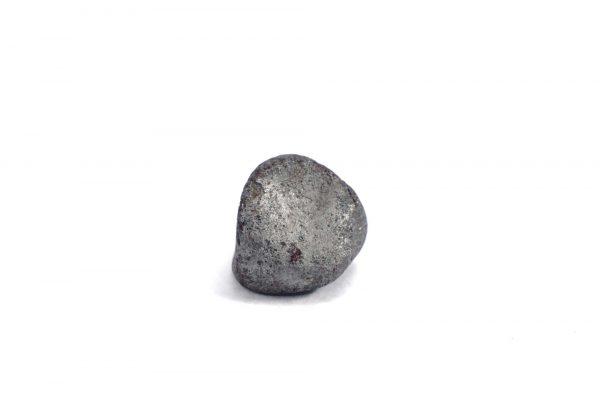 Iron meteorite 7.9 gram wide photography 02