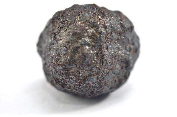 Iron meteorite 11.8 gram macro photography 04