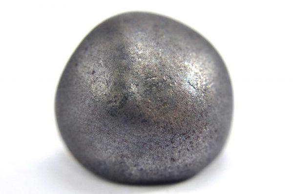 Iron meteorite 16.1 gram macro photography 01