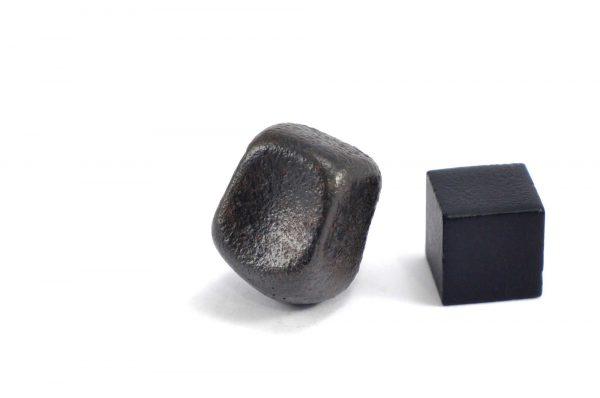 Iron meteorite 15.3 gram wide photography 22