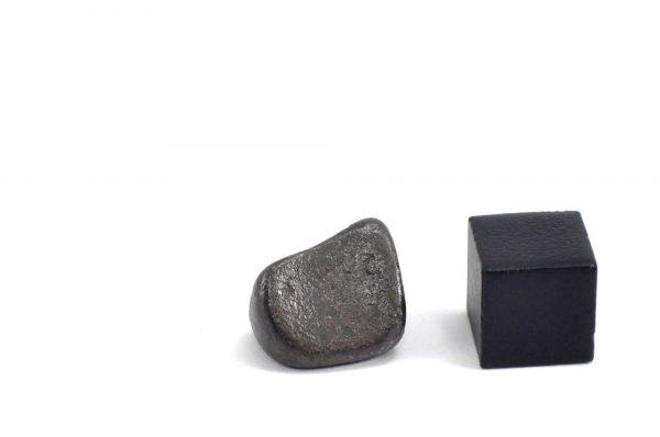 Iron meteorite 5.7 gram wide photography 10