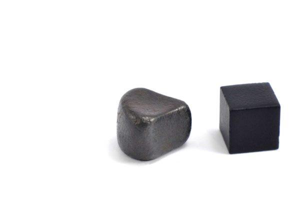 Iron meteorite 8.9 gram wide photography 12