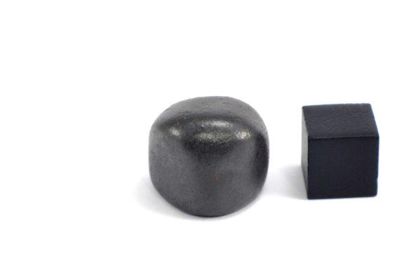 Iron meteorite 18.8 gram wide photography 14