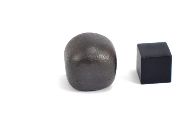 Iron meteorite 22.2 gram wide photography 10