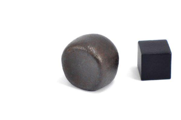 Iron meteorite 22.2 gram wide photography 08