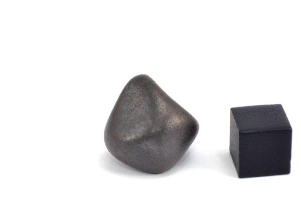 Iron meteorite 17.5 gram wide photography 17
