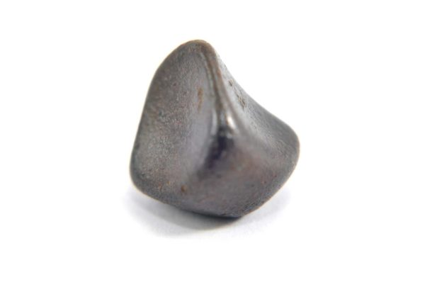 Iron meteorite 9.1 gram macro photography 11