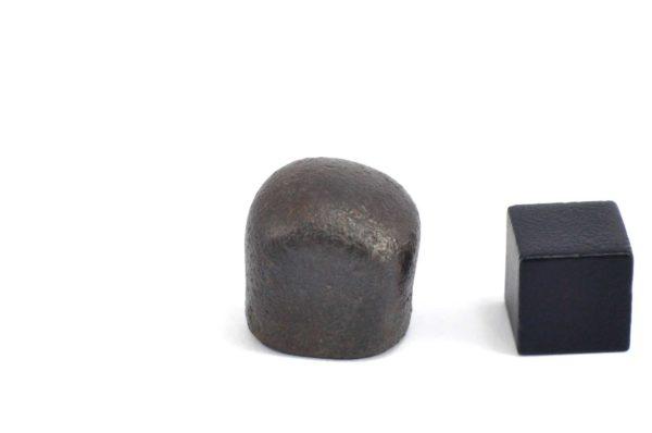 Iron meteorite 18.1 gram wide photography 12