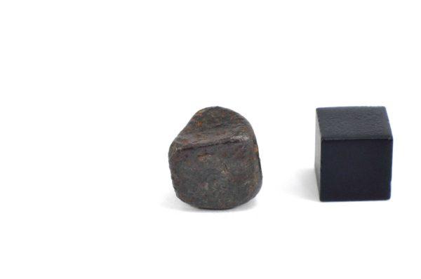 Iron meteorite 7.0 gram wide photography 12