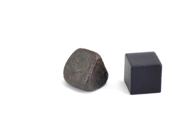Iron meteorite 7.0 gram wide photography 11