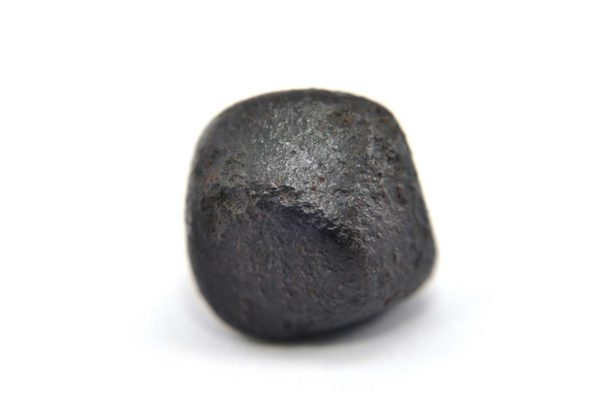 Iron meteorite 14.0 gram macro photography 04