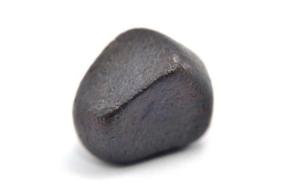 Iron meteorite 15.9 gram macro photography 01